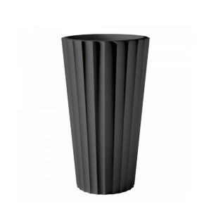 Serralunga's Eufronio planter in black