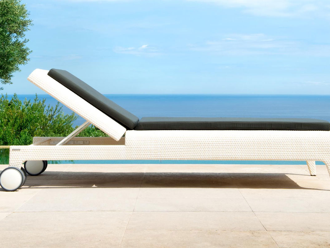 U-sun-lounger-point-core-furniture-lifestyle-1
