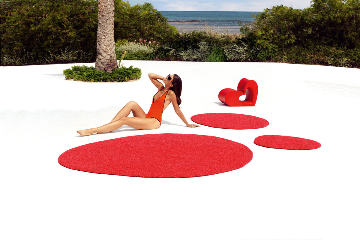 agatha-rug-vondom-core-furniture-lifestyle-3