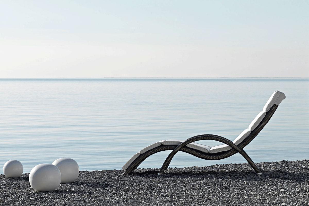 alteasunlounger-varaschin-core-furniture-lifestyle-2