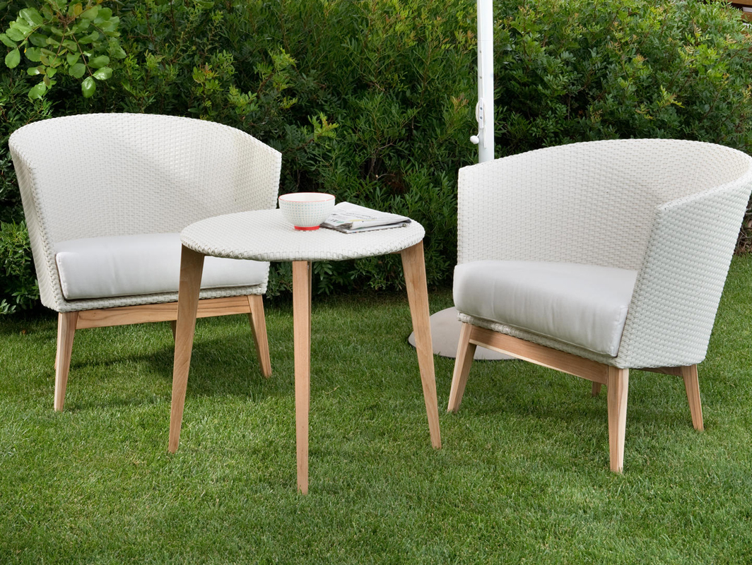 arc-side-table-point-core-furniture-lifestyle-1