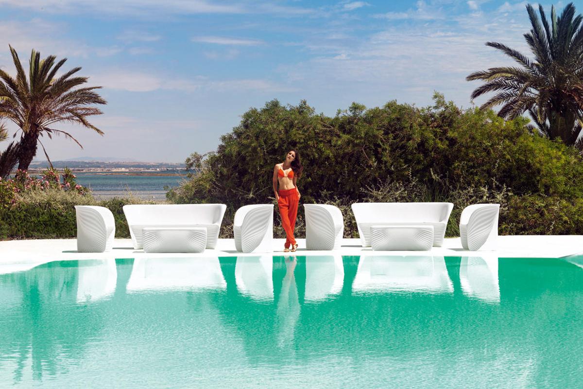 biophilla-armchair-white-vondom-core-furniture-lifestyle-3
