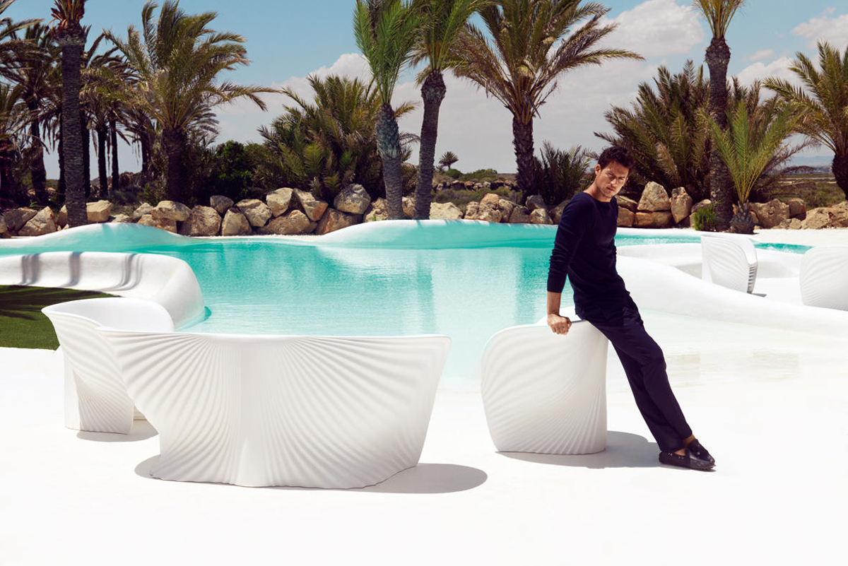 biophilla-armchair-white-vondom-core-furniture-lifestyle-4