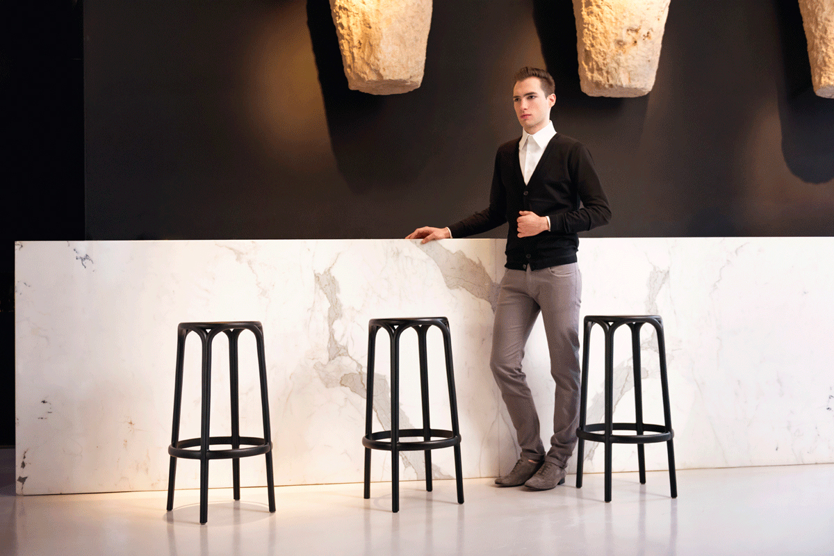 brooklyn-bar-stool-black-vondom-core-furniture-lifestyle-1
