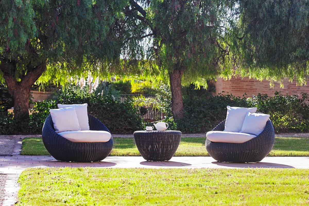 bubble-armchair-dark-point-core-furniture-lifestyle-2