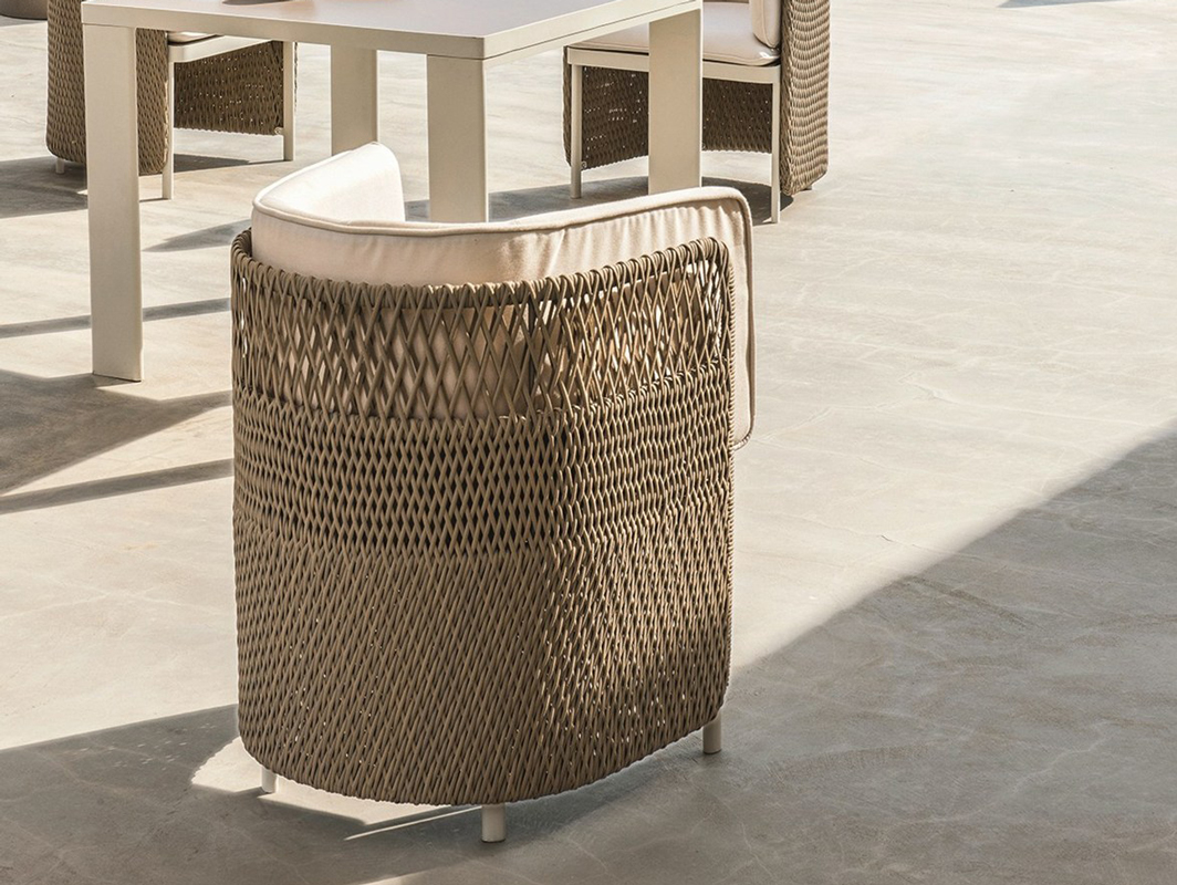 esedra-dining-chair-ethimo-core-furniture-lifestyle-1