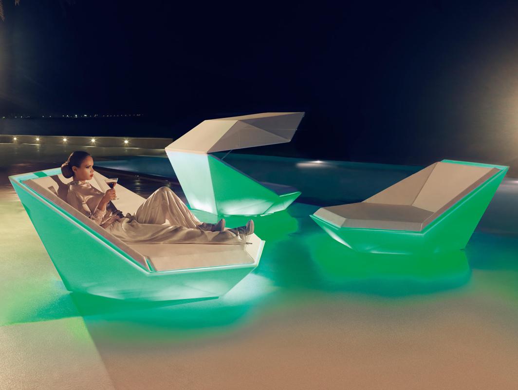 faz-daybed-vondom-core-furniture-lifestyle-1