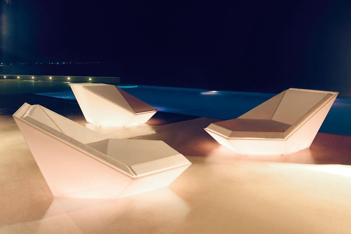 faz-daybed-vondom-core-furniture-lifestyle-2