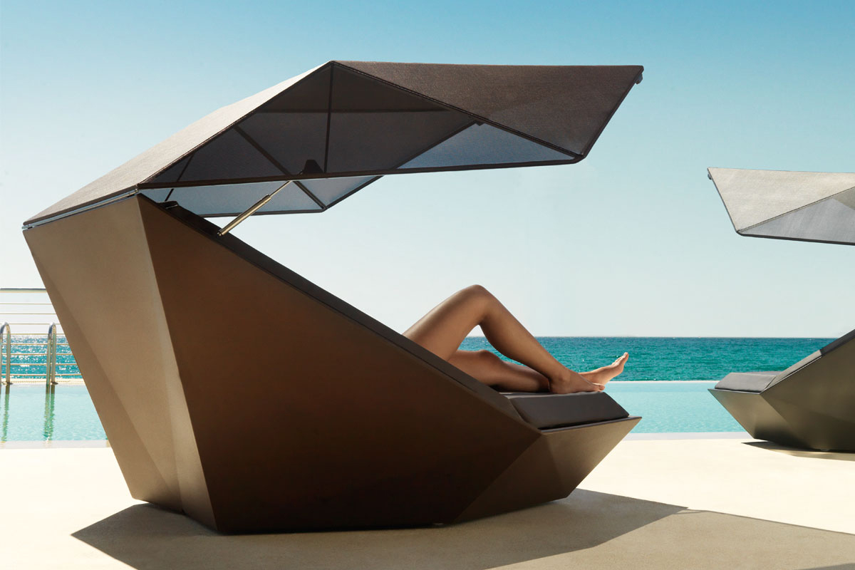 faz-daybed-vondom-core-furniture-lifestyle-5