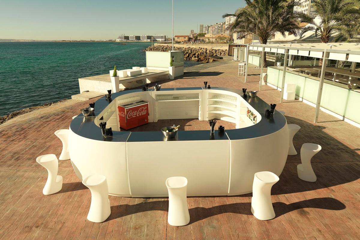 fiesta-table-vondom-core-furniture-lifestyle-1