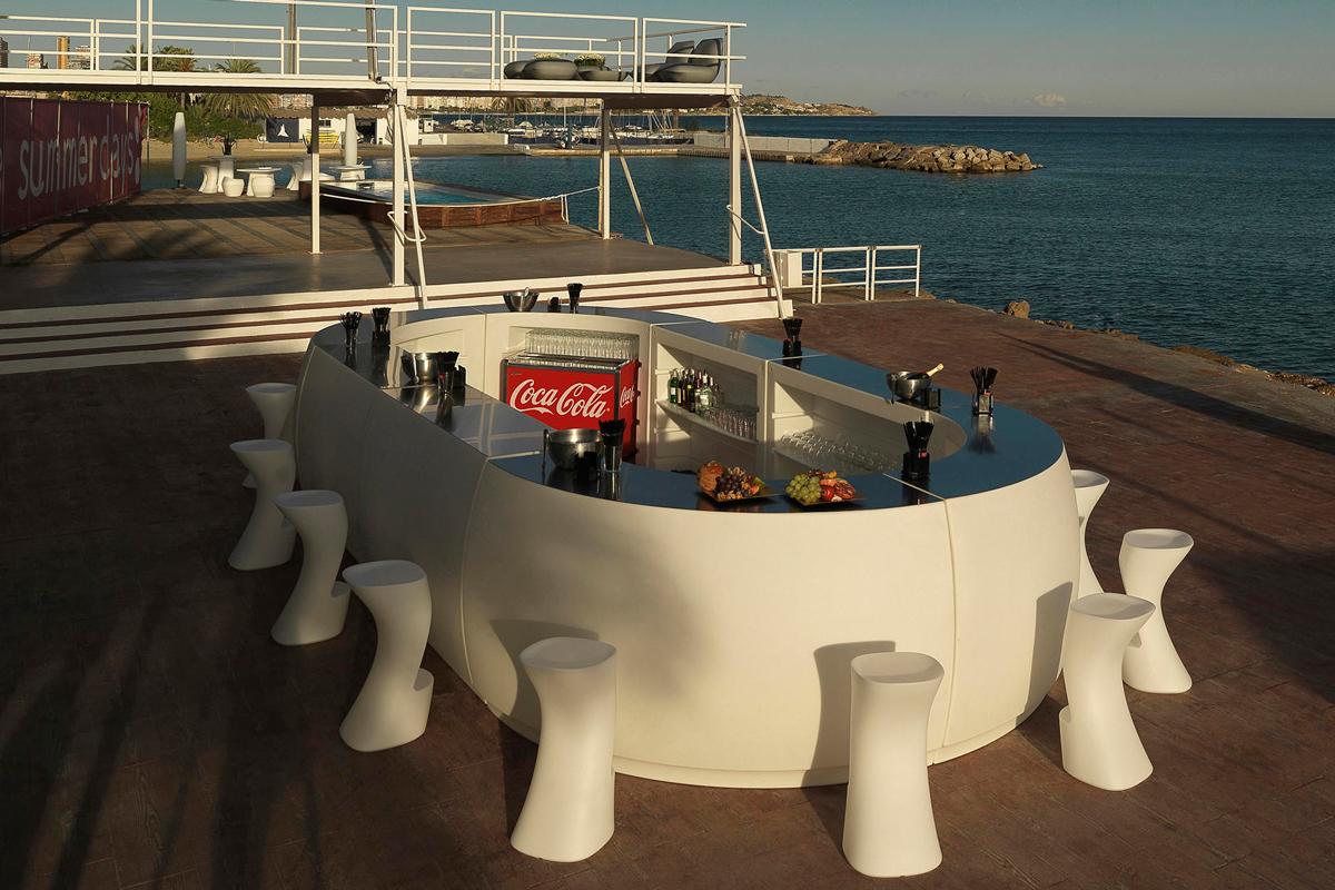 fiesta-table-vondom-core-furniture-lifestyle-2