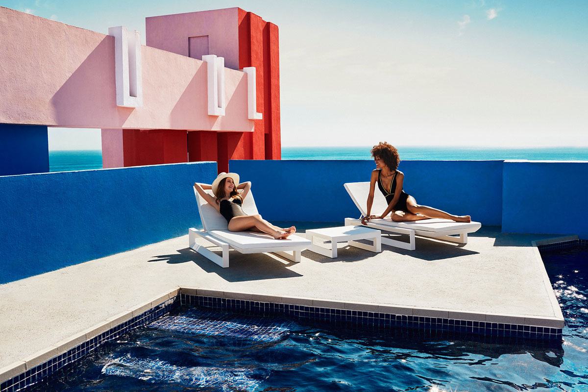 frame-sun-lounger-vondom-core-furniture-lifestyle-2