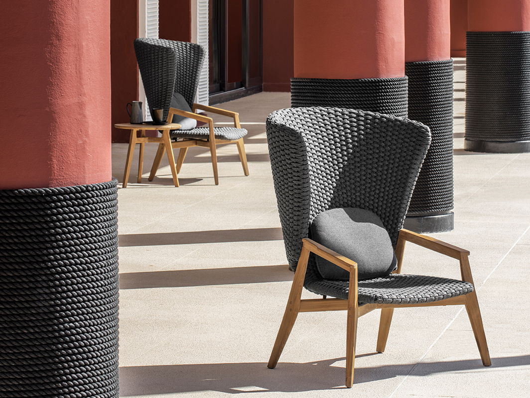 knit-high-back-chair-ethimo-core-furniture-lifestyle-2