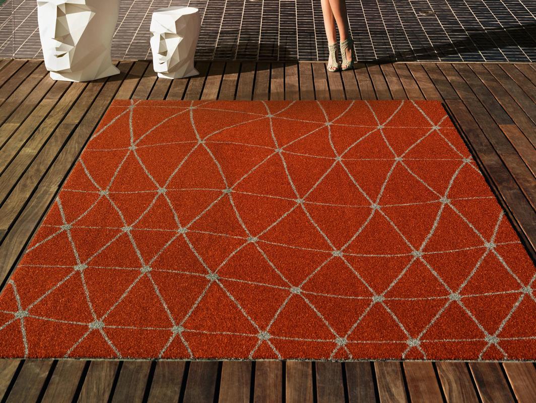 koi-rug-vondom-core-furniture-lifestyle-1