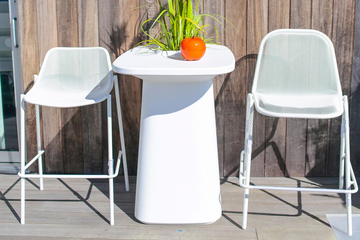 moma-table-vondom-core-furniture-lifestyle-4