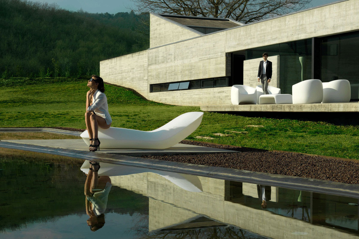 pillow-vondom-core-furniture-lifestyle-3