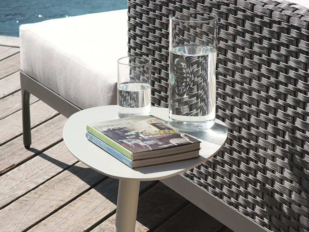smart-side-table-white-ethimo-core-furniture-lifestyle-4