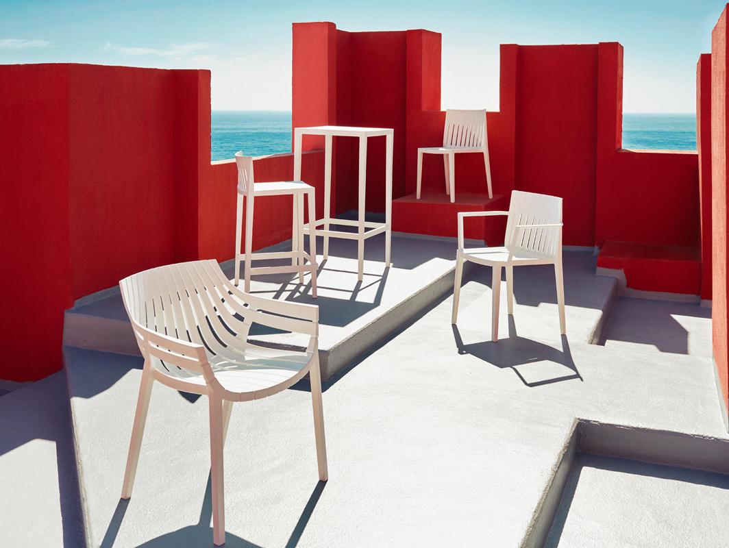 spritz-bar-stool-white-vondom-core-furniture-lifestyle-1