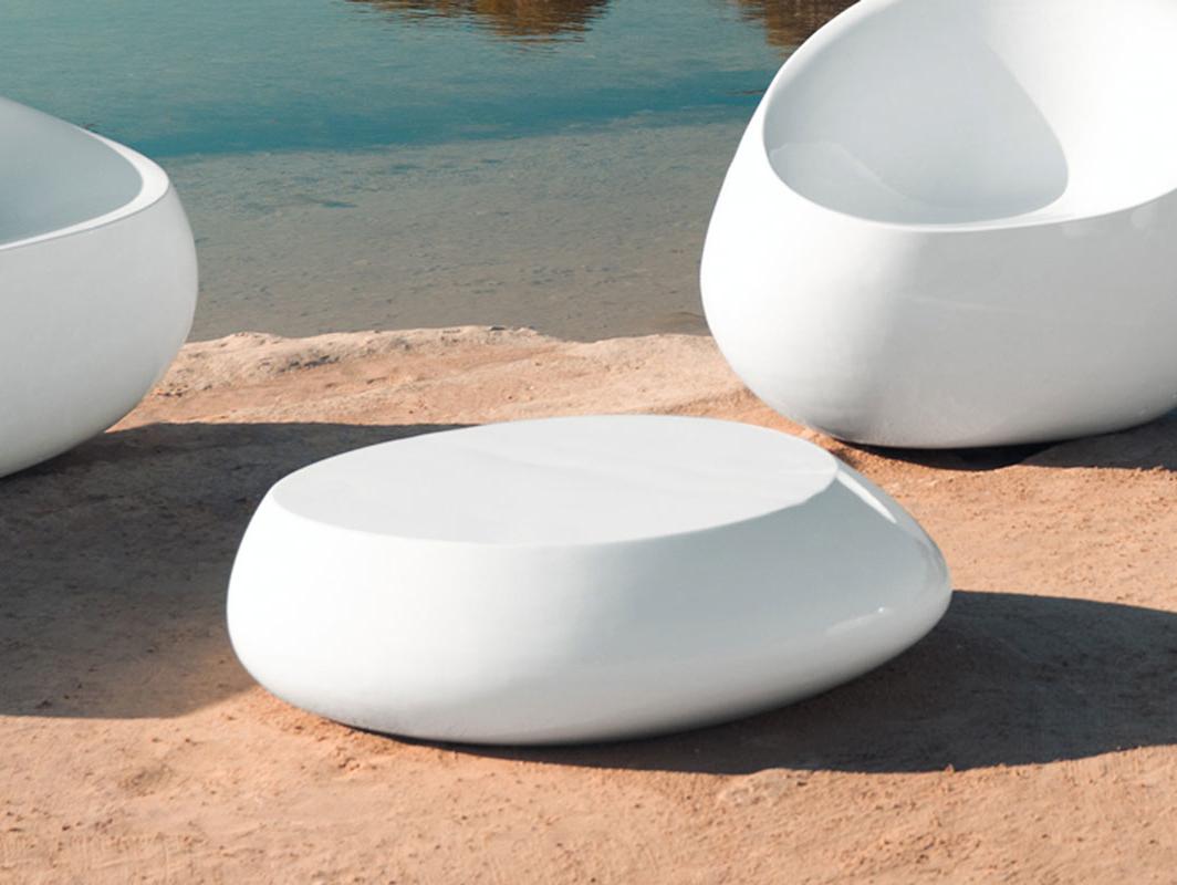 stone-table-vondom-core-furniture-lifestyle-1