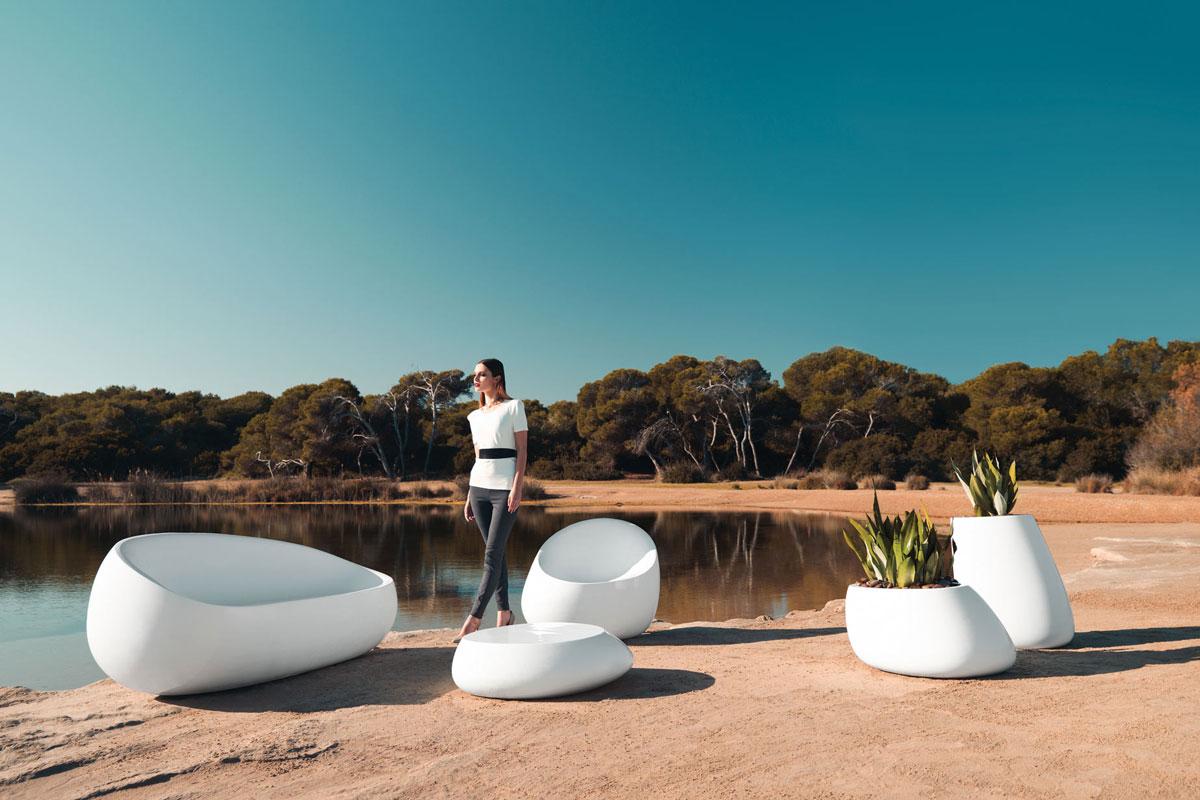 stone-table-vondom-core-furniture-lifestyle-4