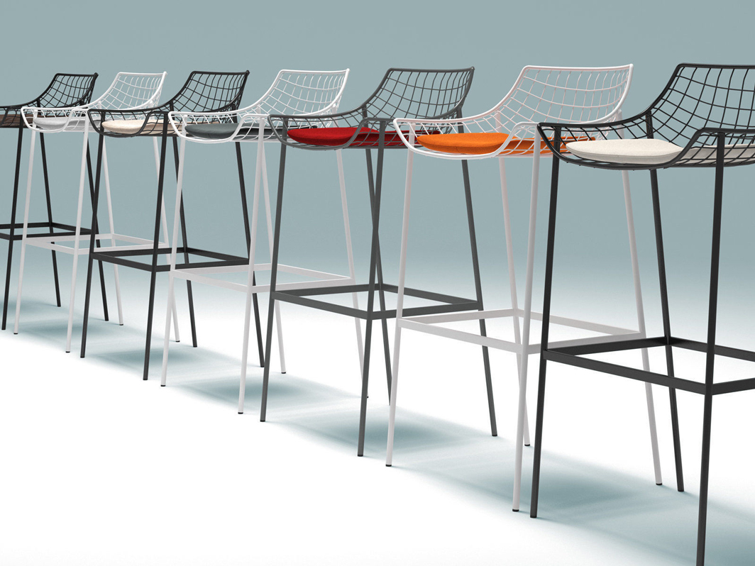 summerse-bar-height-varaschin-core-furniture-lifestyle-4