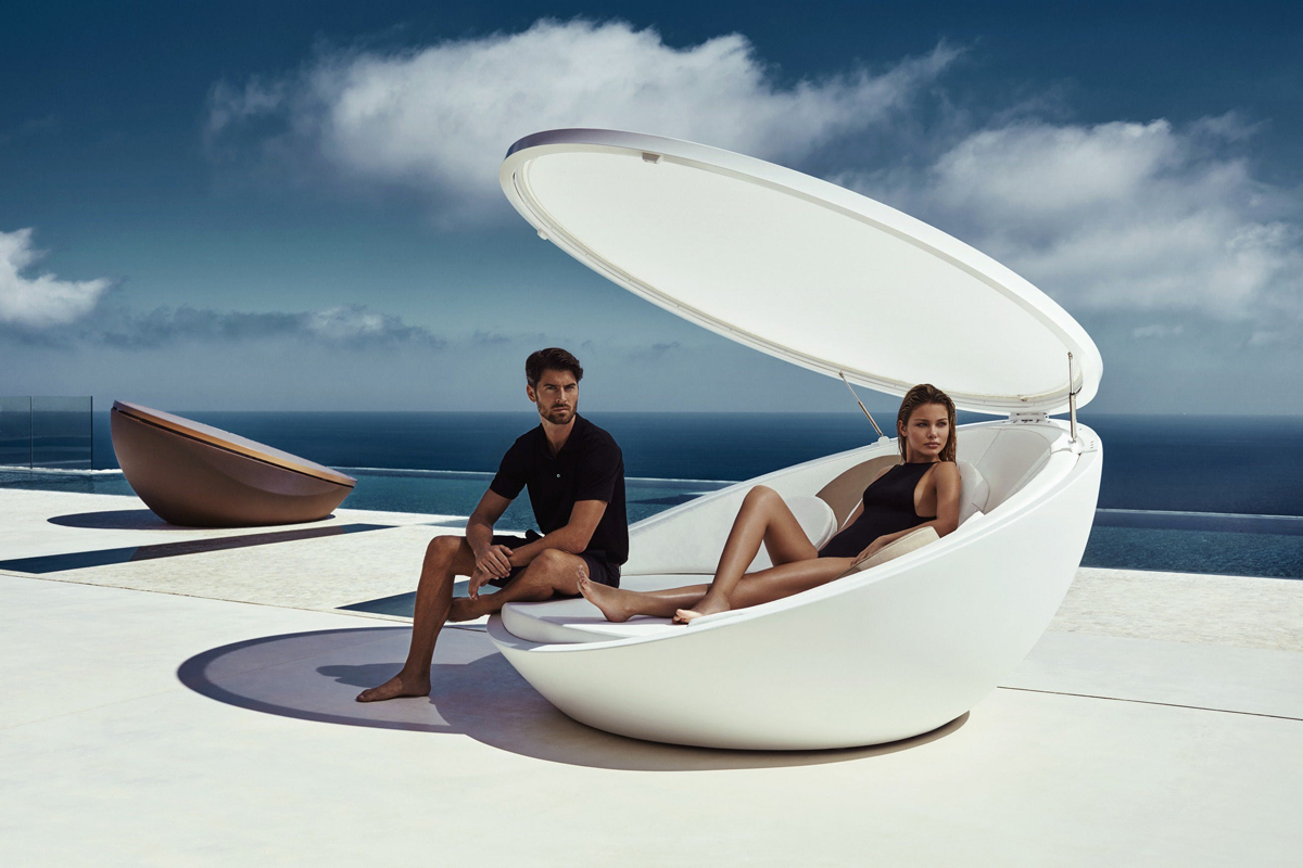 ulm-daybed-vondom-core-furniture-lifestyle-1jpg