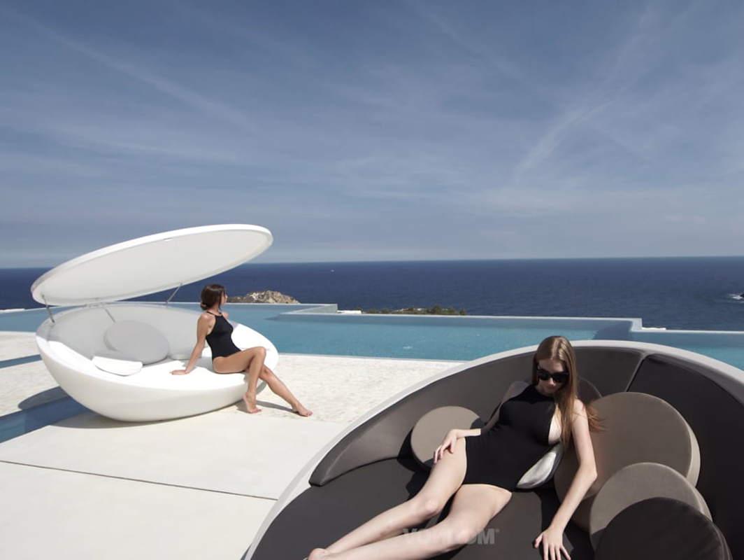 ulm-daybed-vondom-core-furniture-lifestyle-2