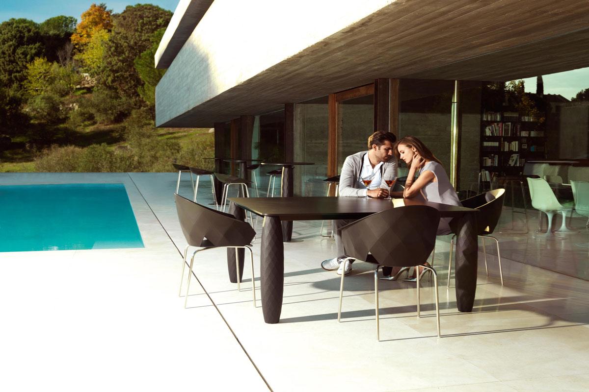 vases-table-vondom-core-furniture-lifestyle-1