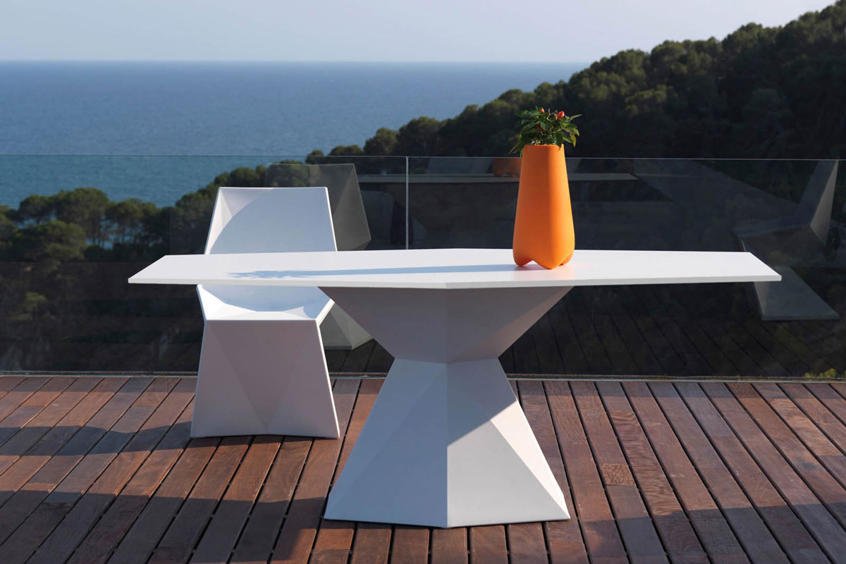 vertex-chair-vondom-core-furniture-lifestyle-3