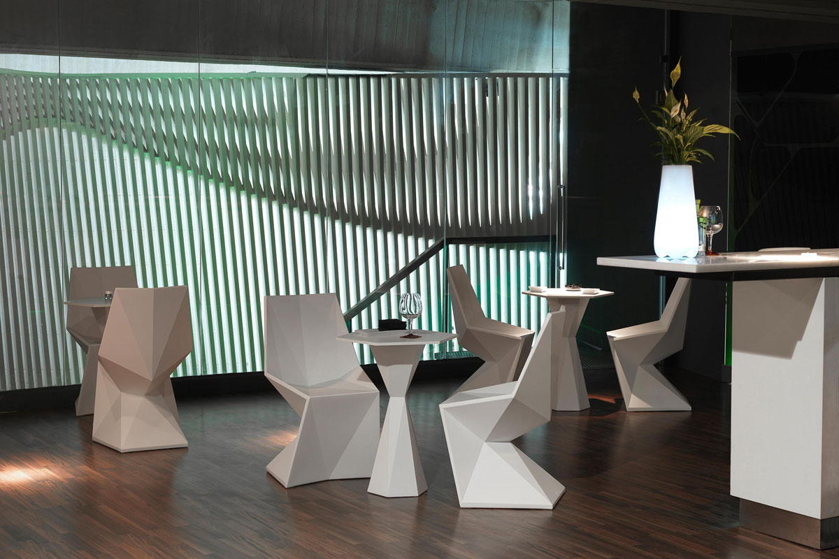 vertex-chair-vondom-core-furniture-lifestyle-4