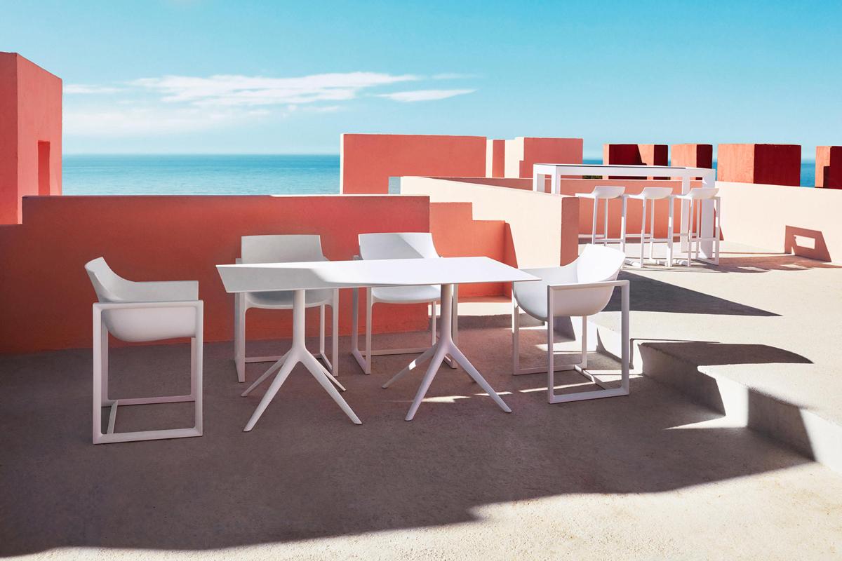 wall-street-bar-stool-white-vondom-core-furniture-lifestyle-1