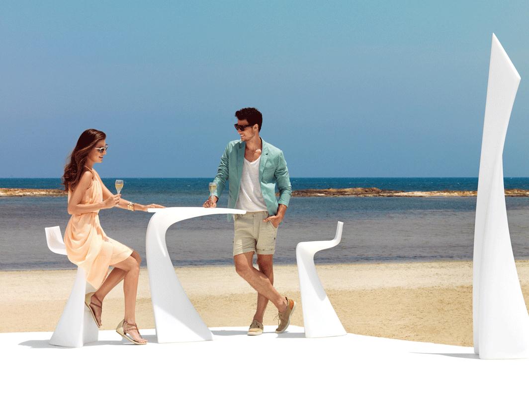 wing-white-vondom-core-furniture-lifestyle-1