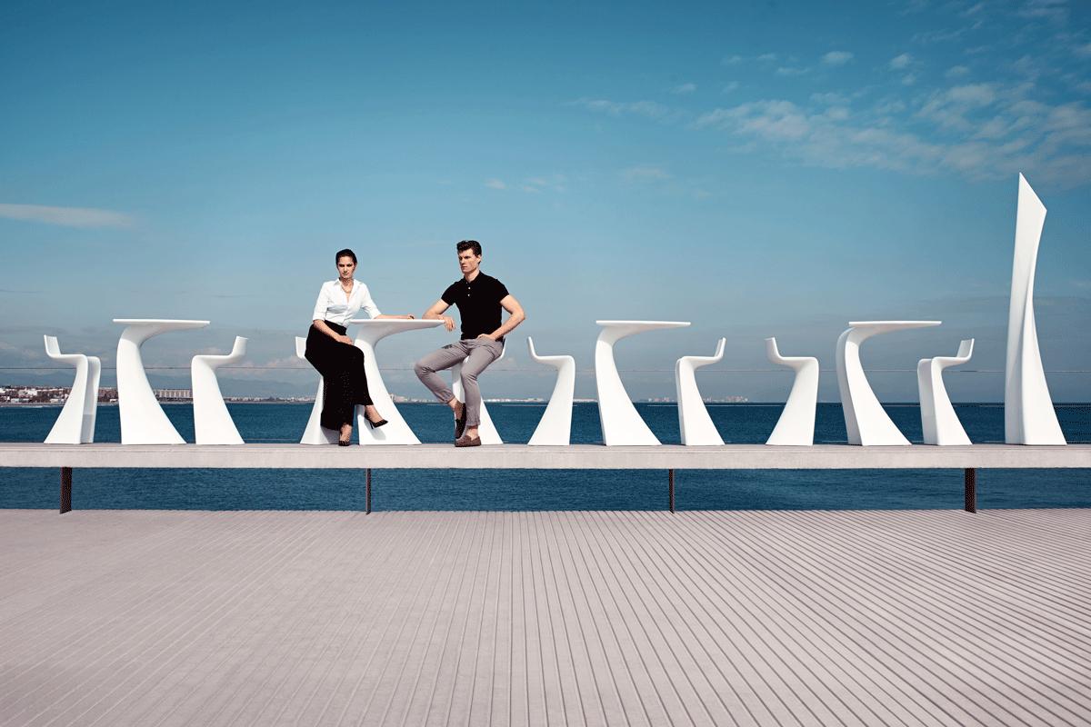 wing-white-vondom-core-furniture-lifestyle-2