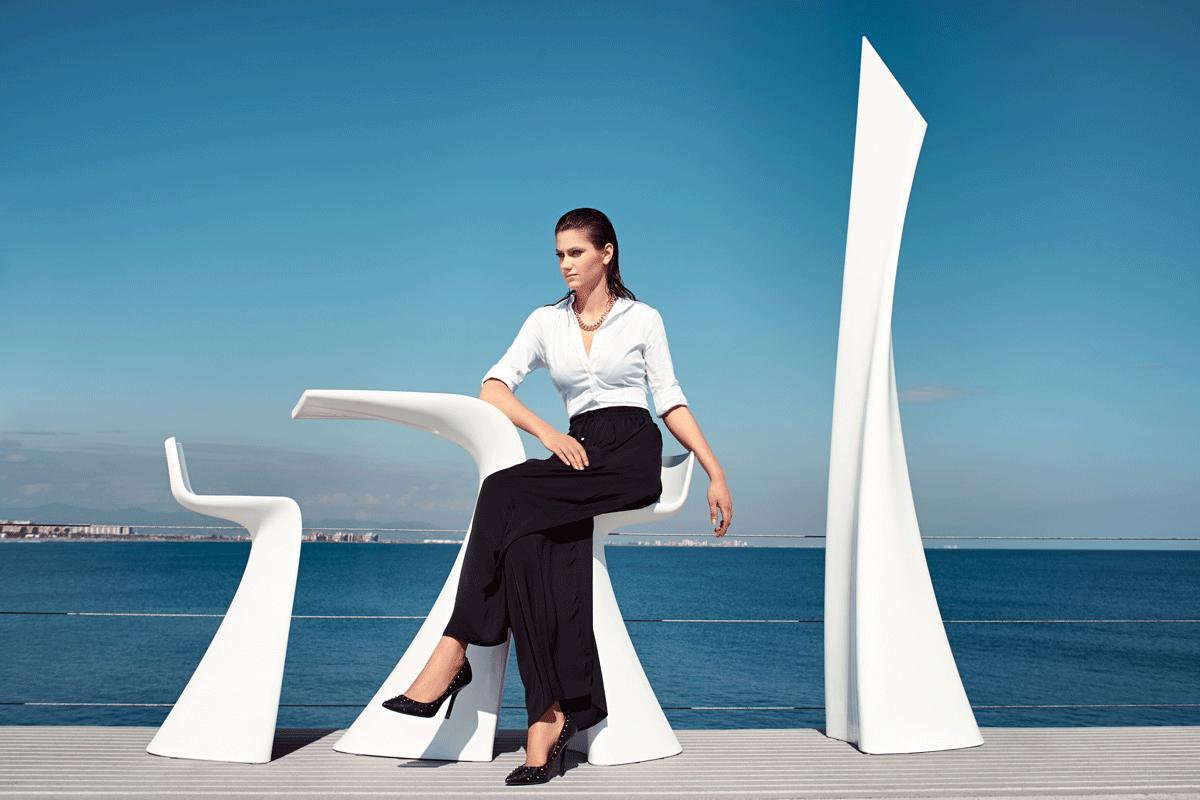 wing-white-vondom-core-furniture-lifestyle-3