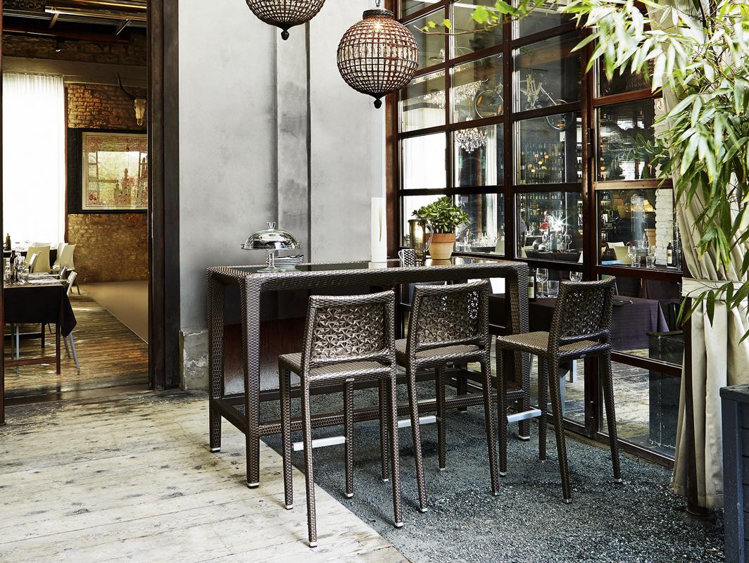 altea-varaschin-core-furniture-lifestyle-1