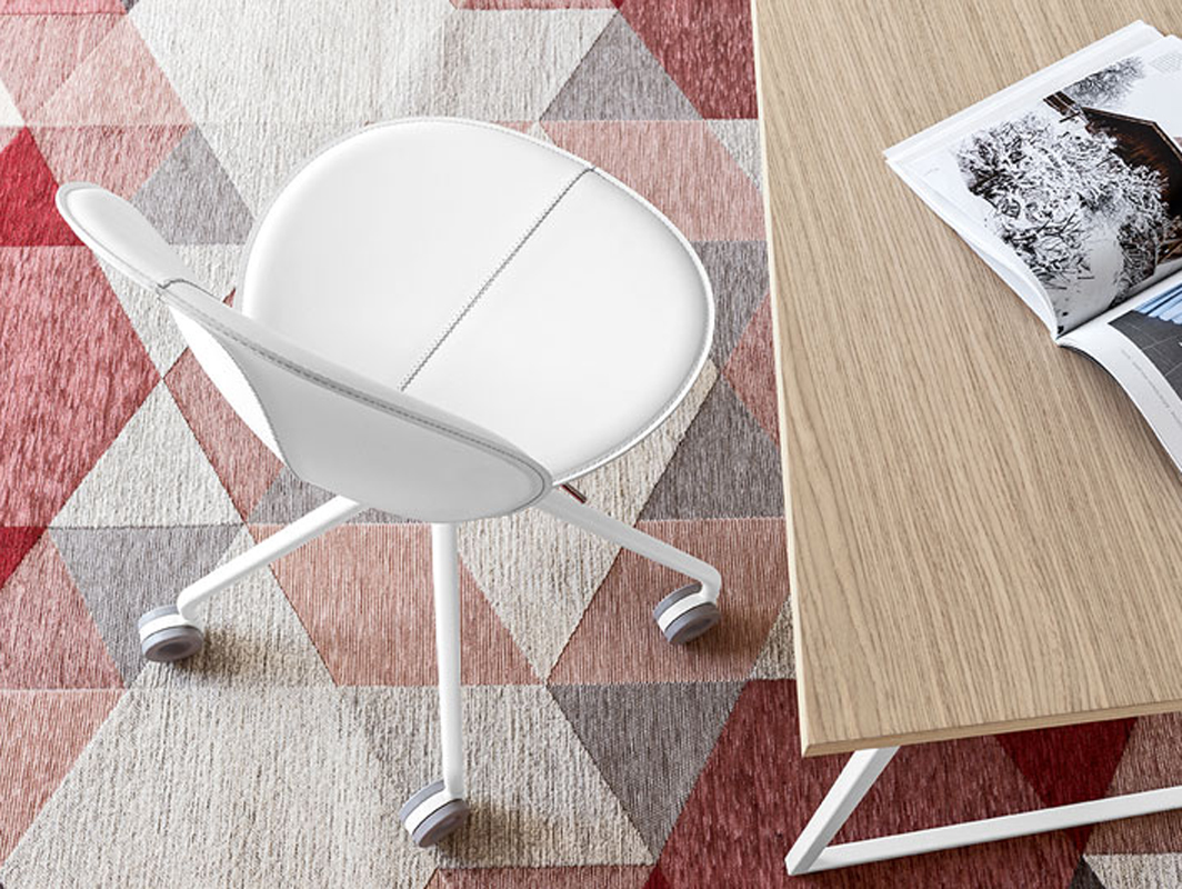 basil-swivel-chair-calligaris-core-furniture-lifestyle-1