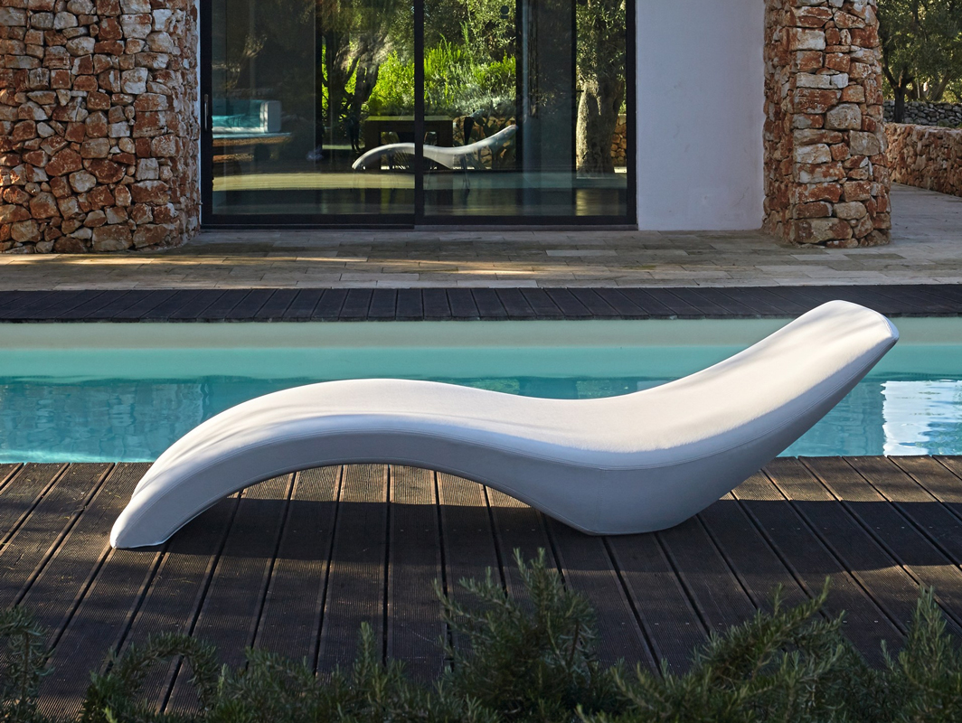 cloe-sunlounger-white-myyour-core-furniture-lifestyle-1