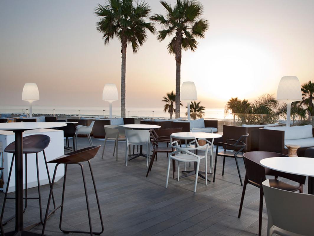 faz-bar-table-vondom-core-furniture-lifestyle-1