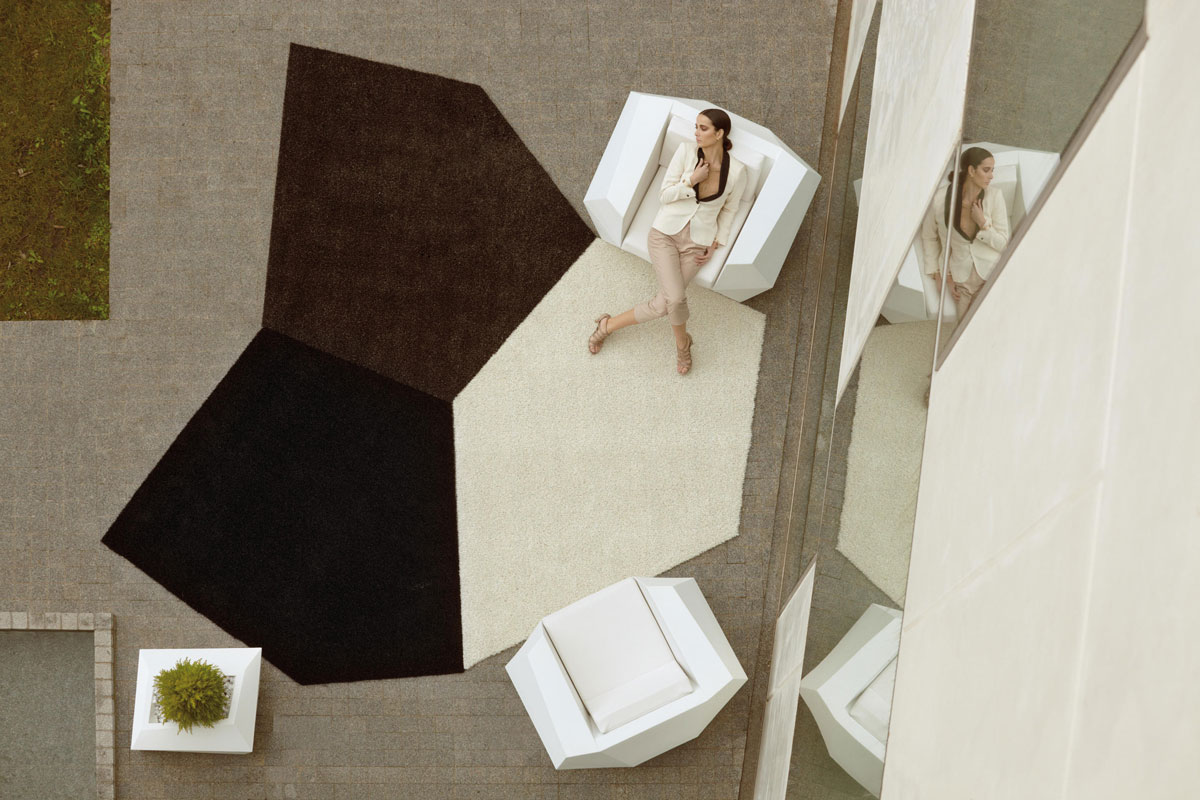 faz-rug-vondom-core-furinture-lifestyle-1