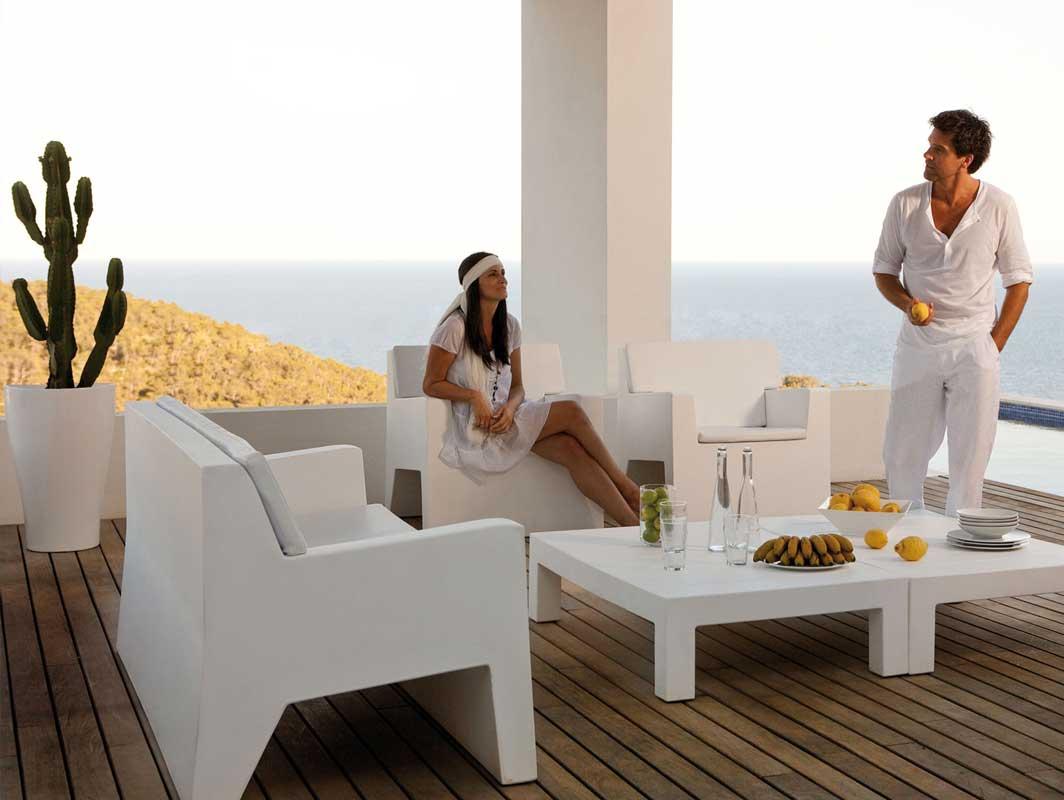jut-armchair-vondom-outdoor-occasional-chairs-core-furniture-lifestyle-1