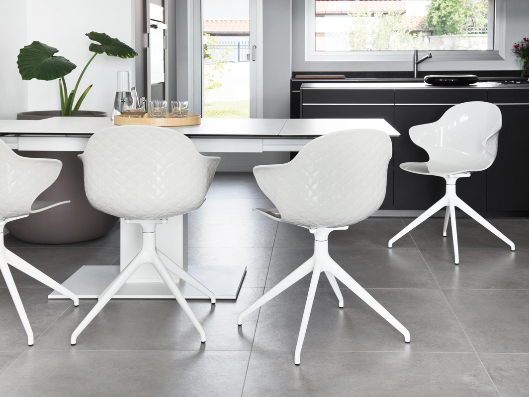 saint-tropez-chair-calligaris-core-furniture-lifestyle-1