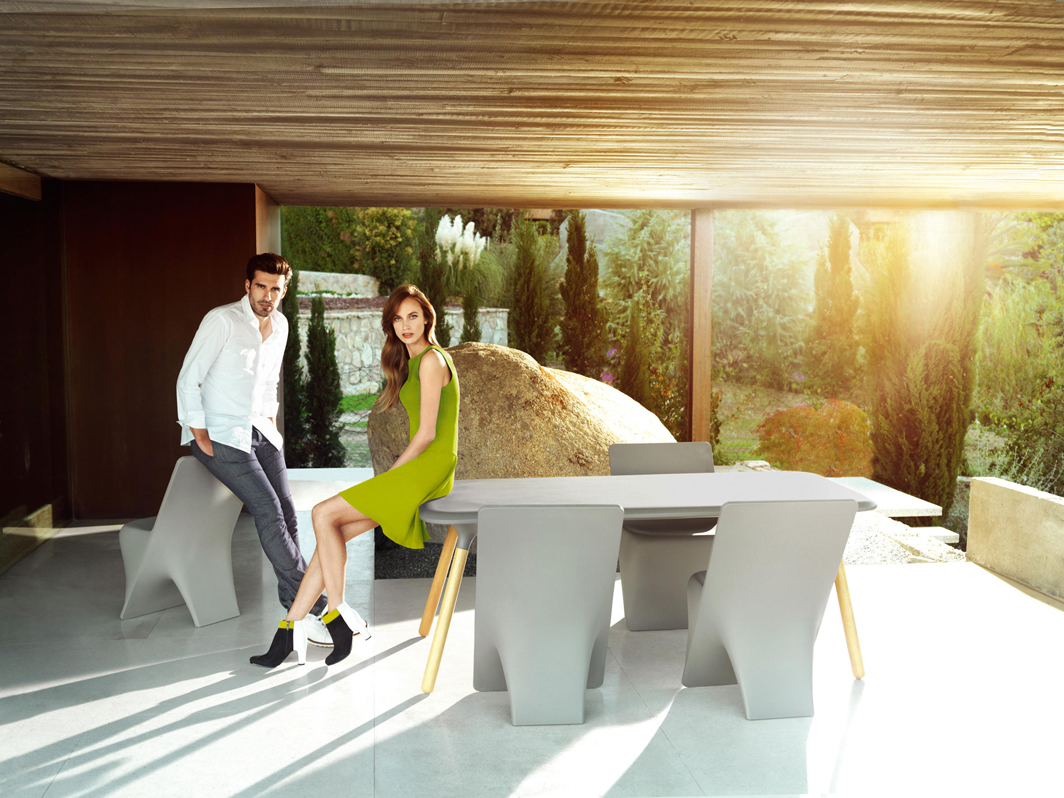 sloo-dining-table-vondom-core-furniture-lifestyle-1