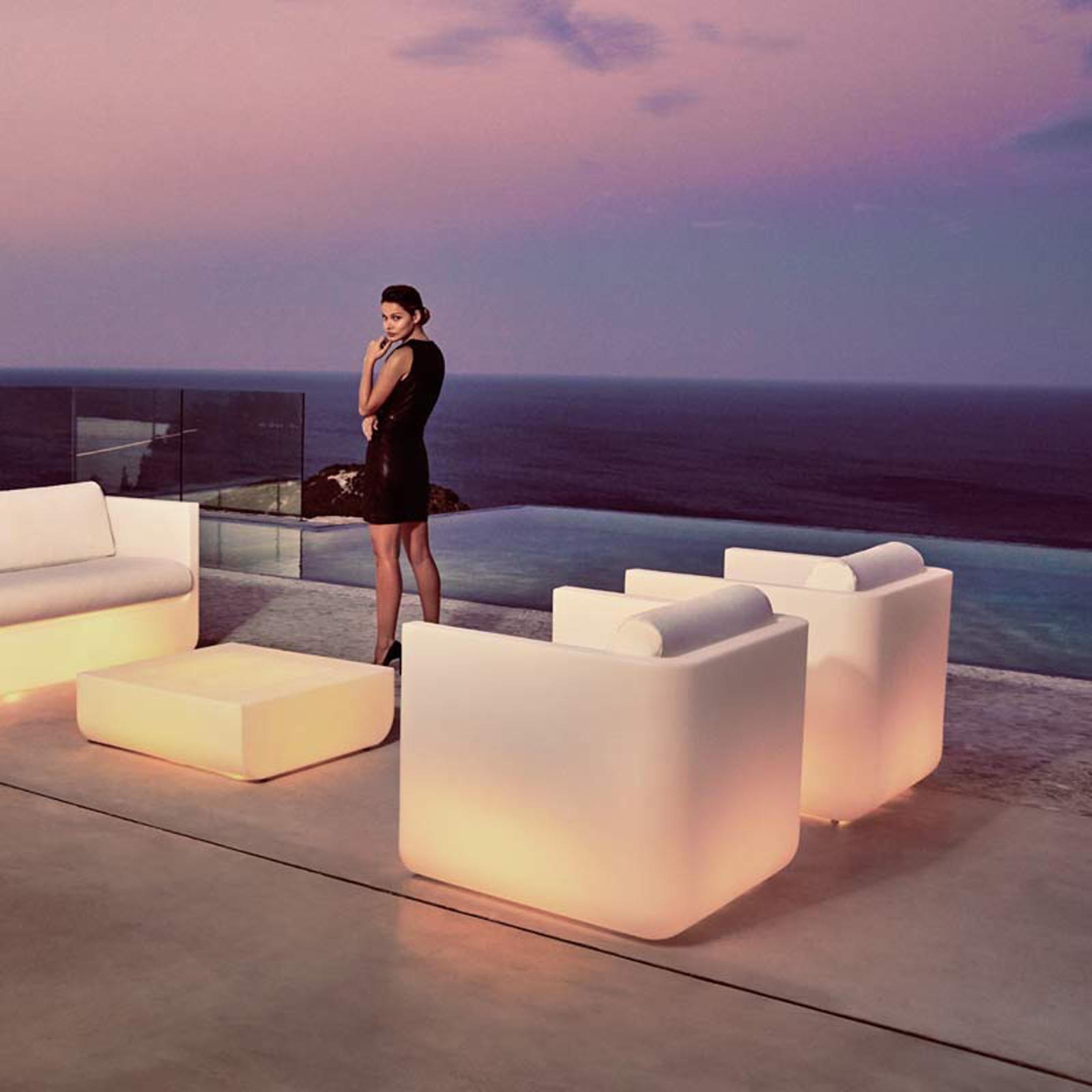 Ulm lounge chair by vondom