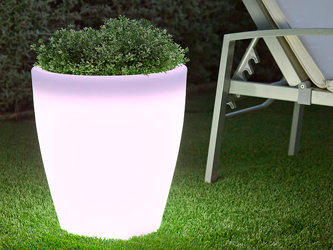 violeta-planter-new-garden-core-furniture-lifestyle-2