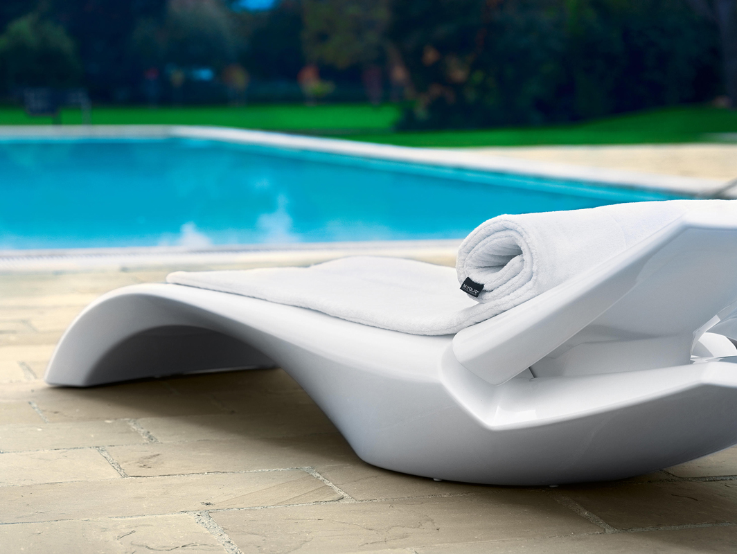 zoe-sun-lounger-white-myyour-core-furniture-lifestyle-3