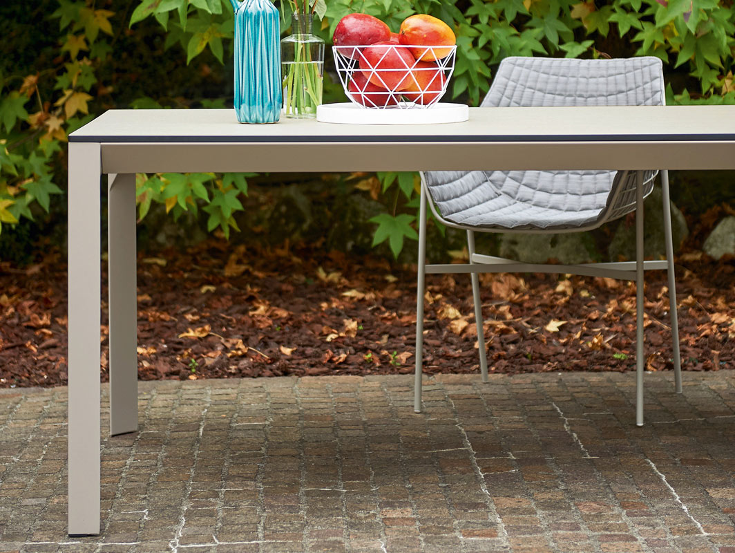 babette-dining-table-varaschin-core-furniture-lifestyle-1