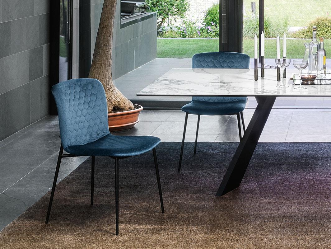 glove-dining-cahir-calligaris-core-furniture-lifestyle-1