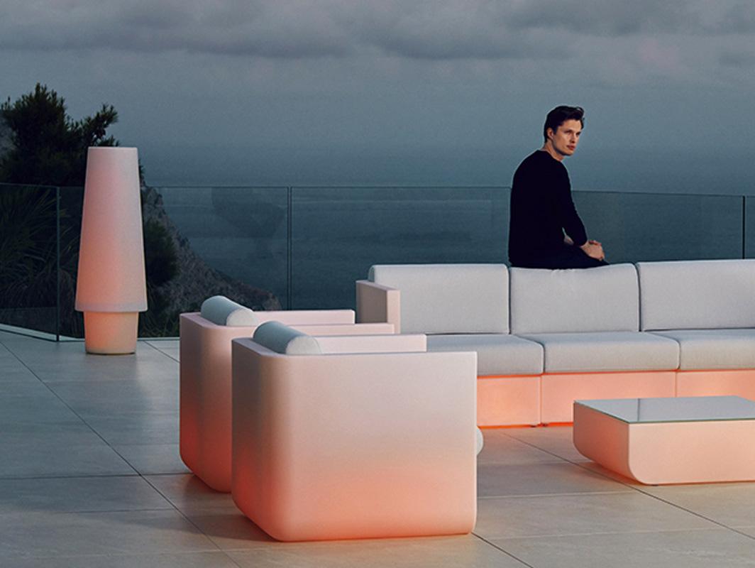 ulm-lmap-vondom-core-furniture-lifestyle-4