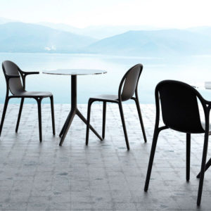 Brooklyn dining chairs by Vondom in use.