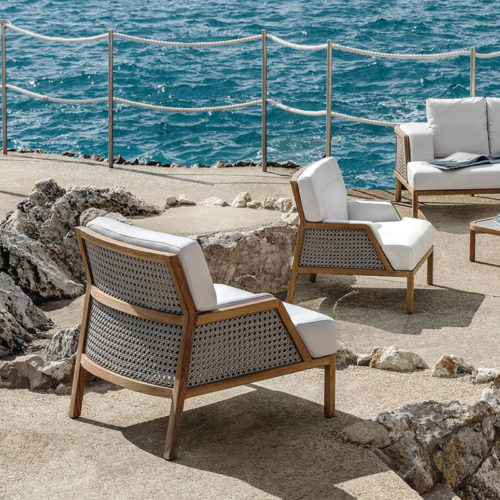 Ethimo's Grand Life collection in a seaside collection.